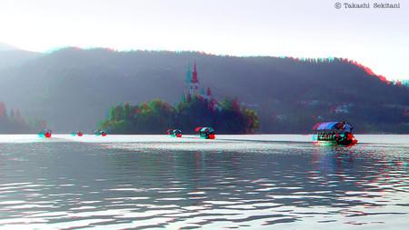 Slovenia_lakebled_001_ships_cana_80